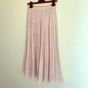 Uni Qlo pale pink pleated maxi skirt M